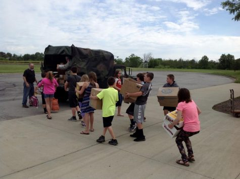 Mohawk Students and Community Team Up for Troops