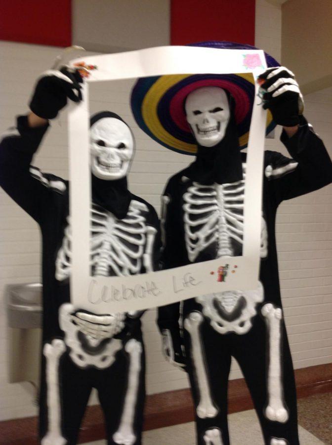 Dia de los Muertos with the Spanish Club